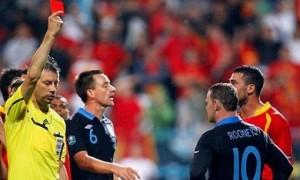 Удаление Руни в матче сборных Англии и Черногории